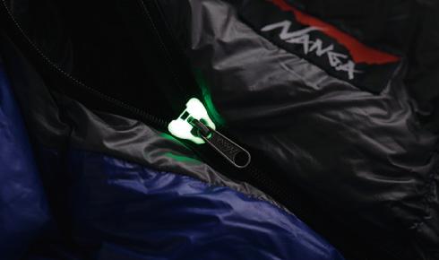 蓄光樹脂により暗闇でも光るファスナー